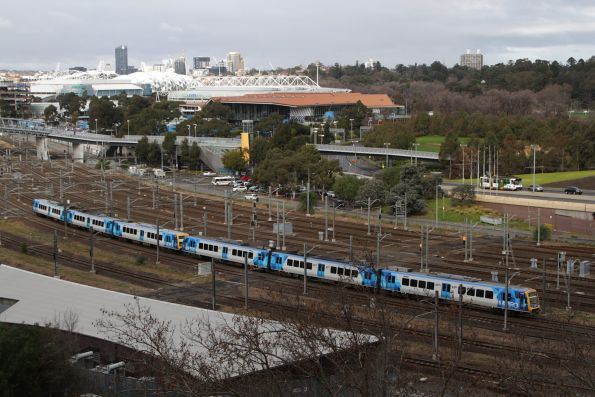 X'Trapolis 141M headed for Flinders Street Station at Richmond Junction