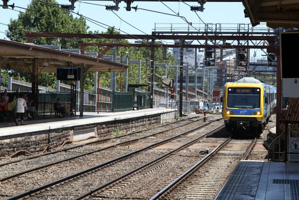 X'Trapolis train arrives into Flinders Street Station from points west to form a down Frankston service