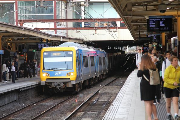 X'Trapolis train arrives into Flinders Street Station platform 3