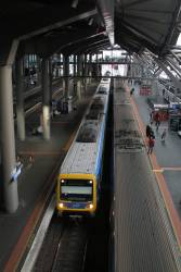 X'Trapolis train arrives into Southern Cross platform 13
