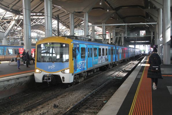 Siemens 823M arrives into Southern Cross with a down Williamstown service