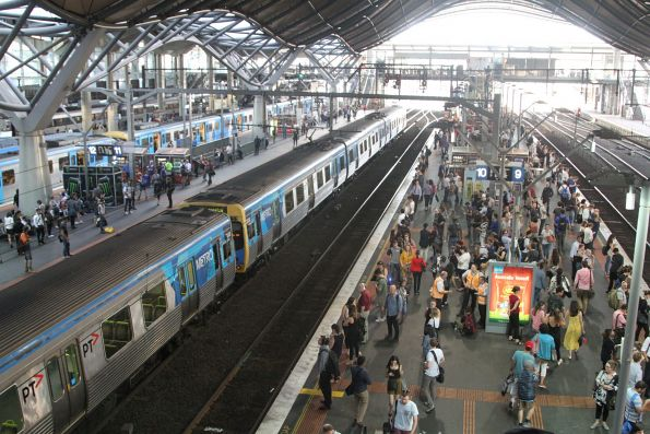 Comeng train waiting in track 10A at Southern Cross Station