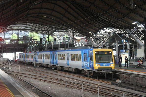 X'Trapolis 225M arrives at Southern Cross with a down Eltham service