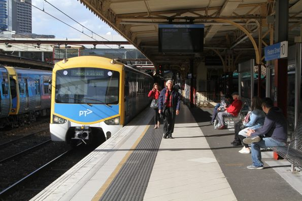 Siemens train arrives into Flinders Street platform 10 to form a down Laverton service