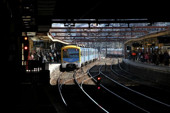 Siemens train at Flinders Street platform 10