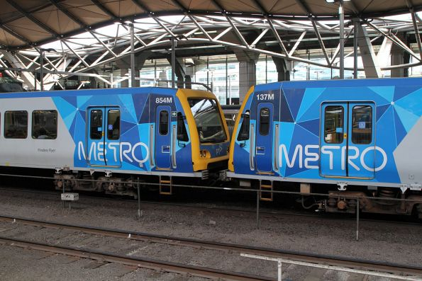 X'Trapolis 137M and 854M on the down at Southern Cross Station