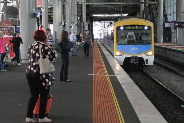 Siemens train arrives into Southern Cross Station with a down Williamstown service
