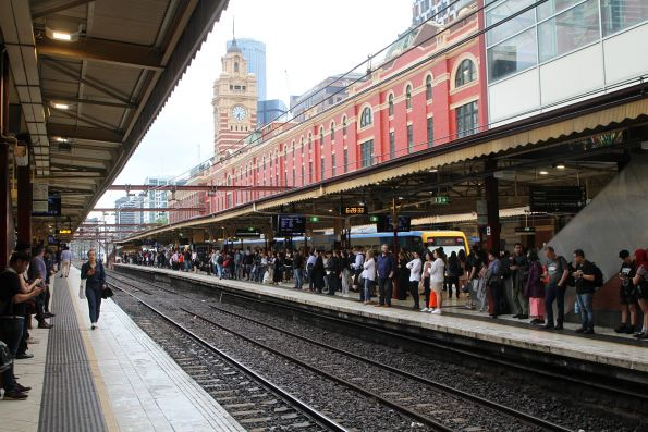 Busy times at Flinders Street Station platform 3