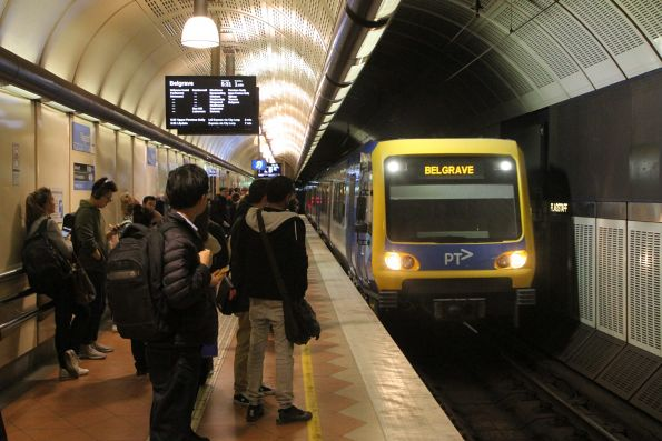 X'Trapolis train arrives into Flagstaff station on a down Belgrave service