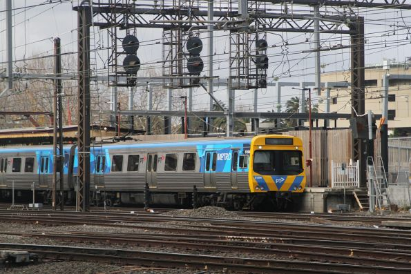 Life extension EDI Comeng 515M at Flinders Street platform 10
