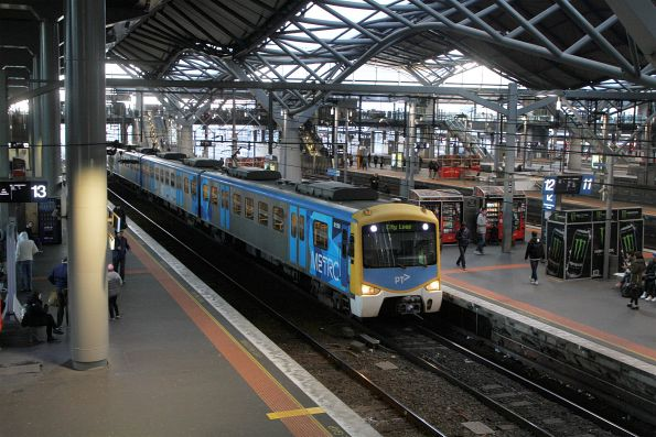 Siemens 815M arrives into Southern Cross platform 12