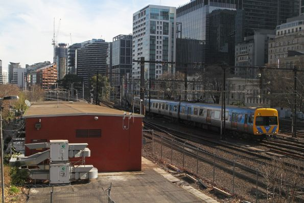 Life extension Alstom Comeng 634M arrives into Flinders Street Station