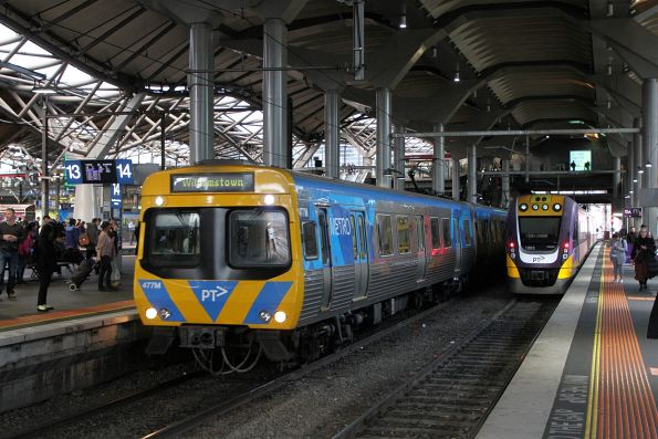 Life extension EDI Comeng 477M arrives into Southern Cross on a down Williamstown service