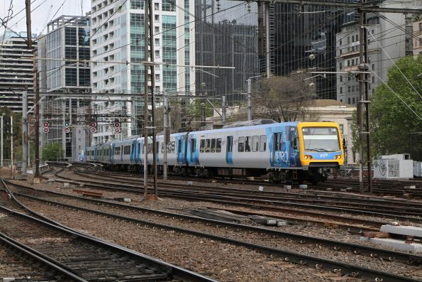 X'Trapolis 94M arrives into Flinders Street on an up Burnley Loop service