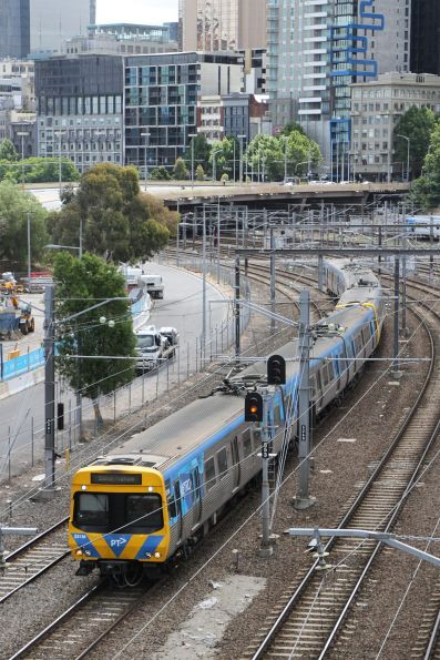 Life extension EDI Comeng 531M departs Flinders Street on a down Sandringham service