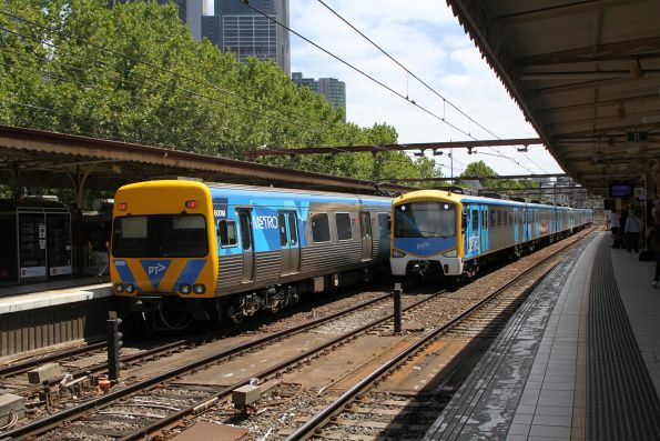 Siemens 758M waiting on Flinders Street track 9A for life extension EDI Comeng 521M to clear the route to platform 12