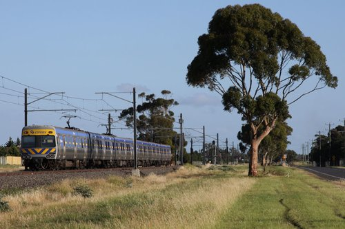 Up Comeng train heads for Keilor Plains