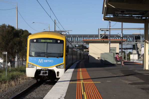 Metro liveried Siemens departs Laverton on the down