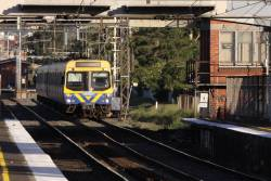 EDI Comeng just out of Middle Footscray station and already arriving at West Footscray!