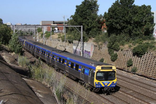 EDI Comeng 439M heads a down Sydenham train at Footscray