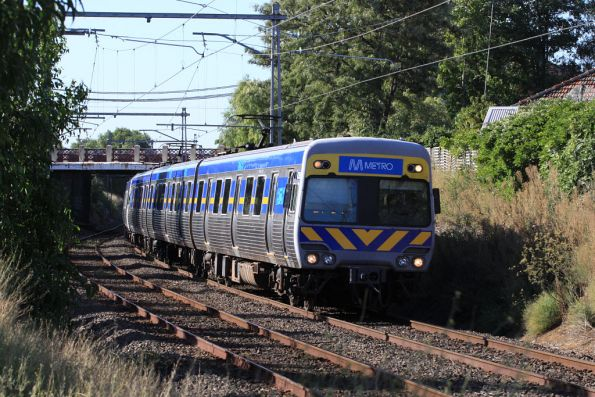 Alstom Comeng on the up arrives into Ascot Vale