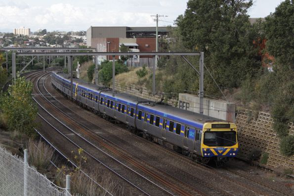 EDI Comeng approaches Footscray bound for Werribee