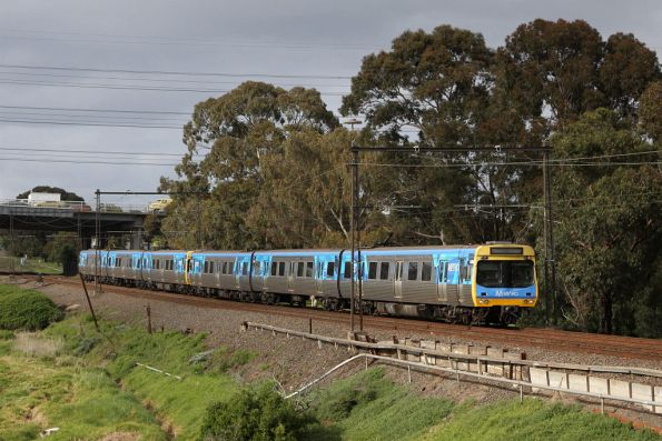 EDI Comeng 448M on the up at Yarraville