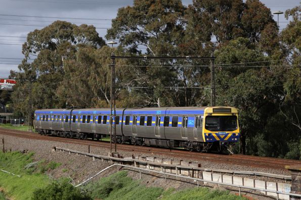 EDI Comeng 503M runs as a 3-car set on the up at Yarraville