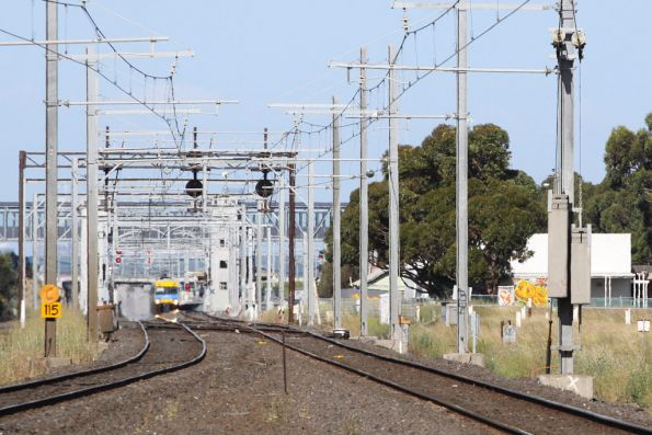 17:23:19 - Alstom Comeng arrives into Laverton, meanwhile the Aviation Road level crossing has already started operating