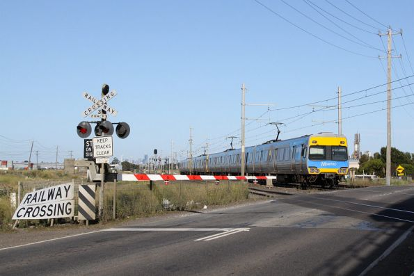 Alstom Comeng on the up at Kororoit Creek Road