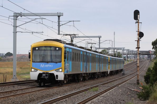 Siemens 724M on the up between Broadmeadows and Coolaroo