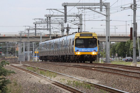 EDI Comeng on the down between Broadmeadows and Coolaroo