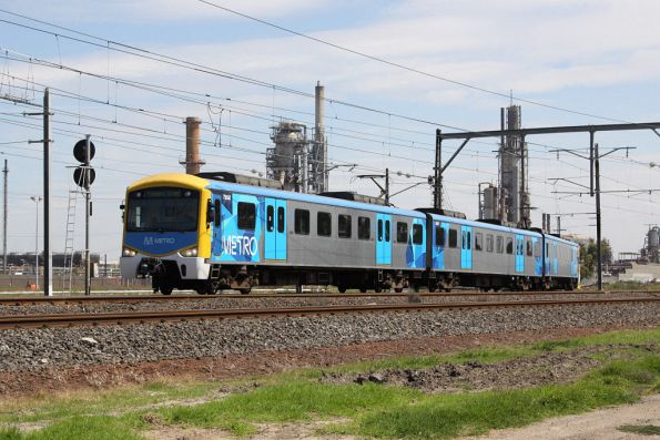 Citybound Siemens 795M rejoins the main line at Altona Junction