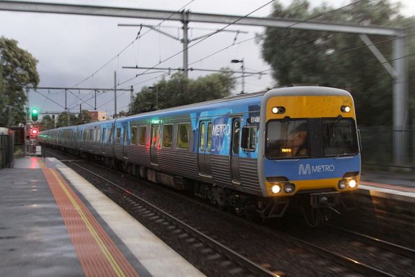 Alstom Comeng 614M arrives into Footscray on the up