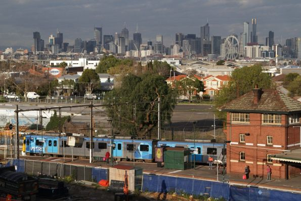 Siemens train stopped at Footscray station
