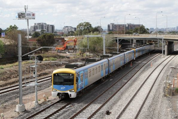 Siemens on a down Sunbury service arrives into West Footscray
