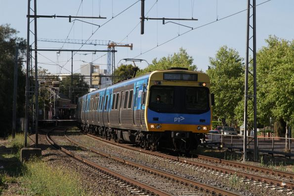 EDI Comeng departs Moonee Ponds on the down