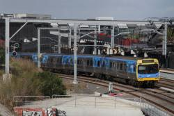 EDI Comeng departs Footscray on a down Watergardens service