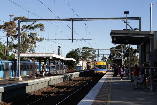 Up City Loop service arrives into St Albans