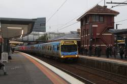 EDI Comeng 501M arrives into Footscray with an up Werribee service