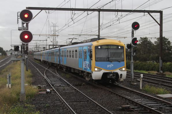 Siemens 813M on an up Werribee service arrives at South Kensington