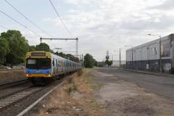 EDI Comeng approaches Spotswood with a down Werribee service