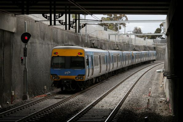 Sunbury-bound service departs the new low level St Albans station
