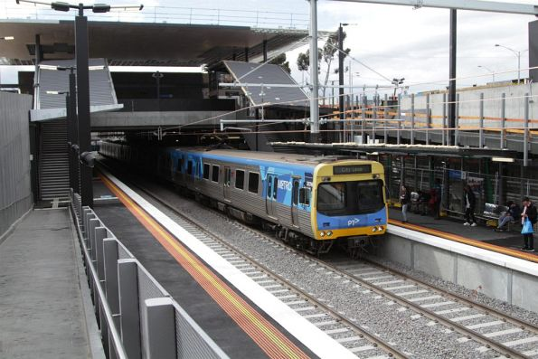 Citybound service arrives at the new low level St Albans station