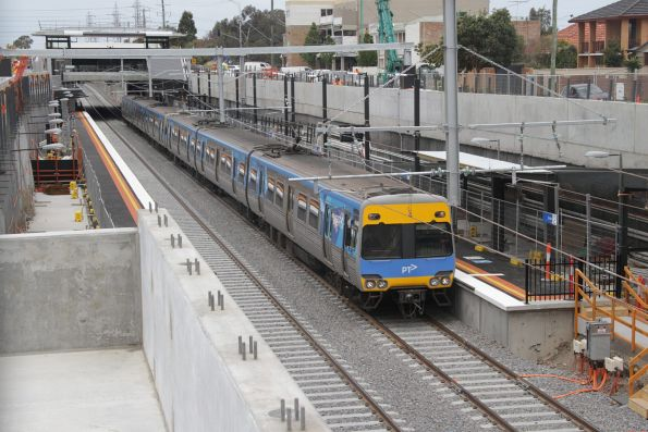 Down Watergardens service pauses at the new low level Ginifer station