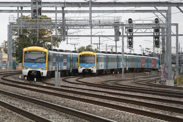 Pair of Siemens trains cross paths on the Sunbury line at Middle Footscray