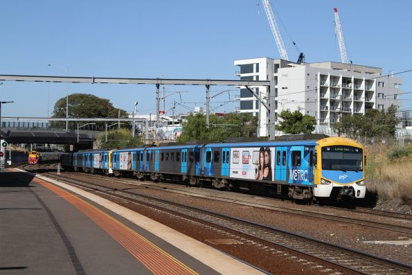 Siemens 721M arrives into Footscray with a down Laverton service