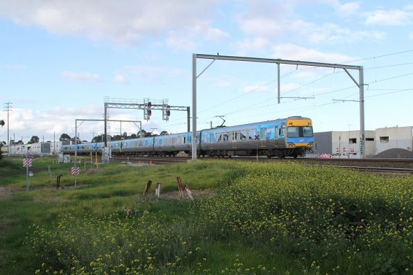 Comeng 612M trails an up Werribee service at Newport South
