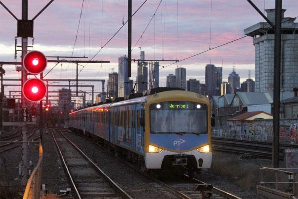 Siemens train arrives into South Kensington on a down Werribee service