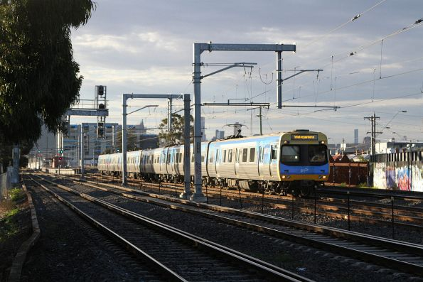 EDI Comeng departs Middle Footscray with a down Watergardens service
